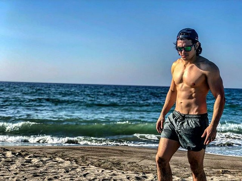 WOW! Guess who among the Los Bastardos brothers own these abs?